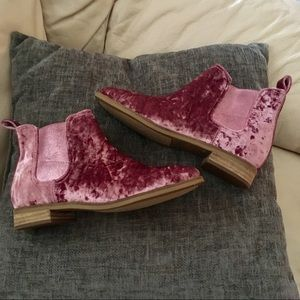 New crushed velvet TOMS booties